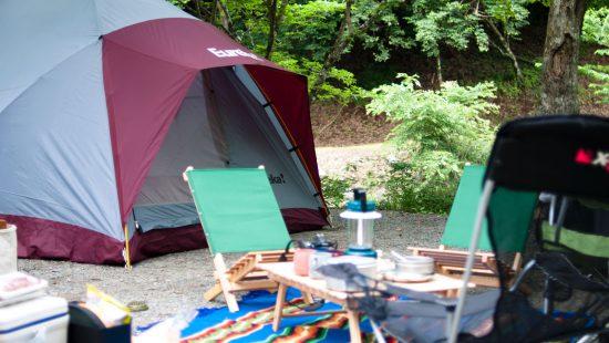 テントと椅子
